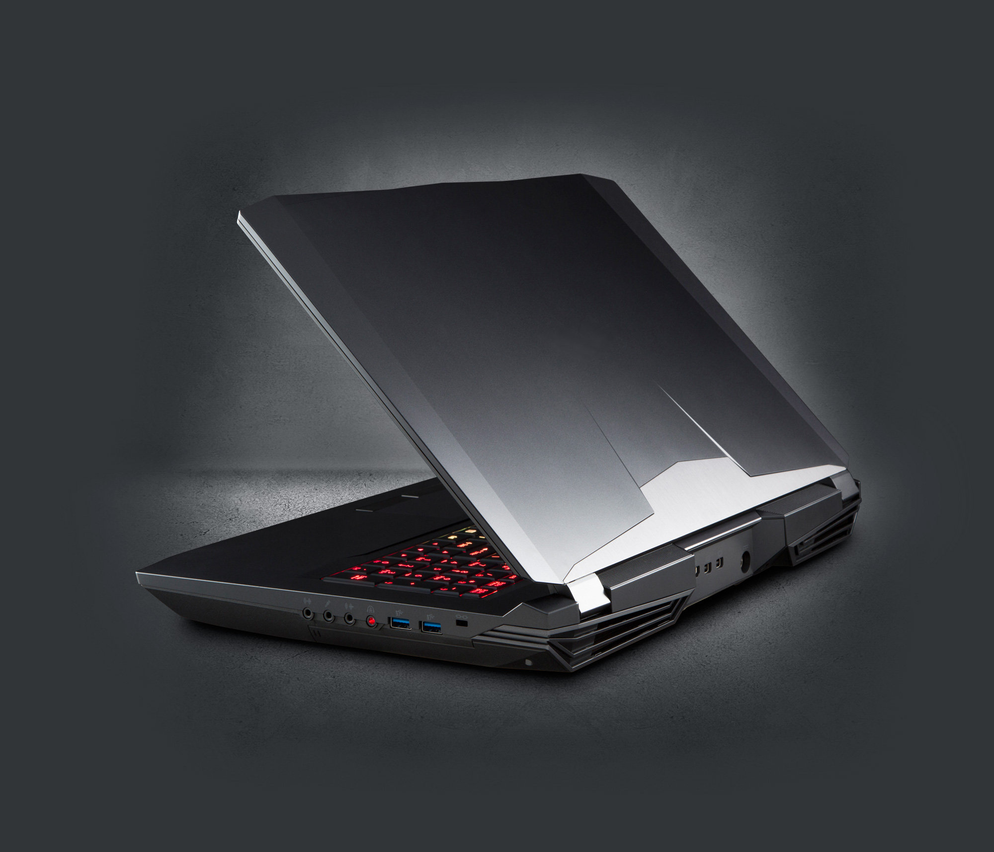 CLEVO P775TM1-G Desktop CPU Laptop   NVIDIA RTX 2080 VR MXM